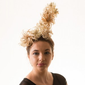 Twisted Thimble 'Catherine Spark' med wooden headpiece